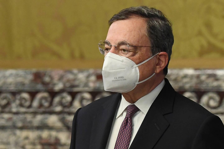 L'Italien Mario Draghi, ex-chef de la Banque centrale européenne a succédé à Giuseppe Conte, incapable de ressouder sa coalition en pleine crise économique et sanitaire.