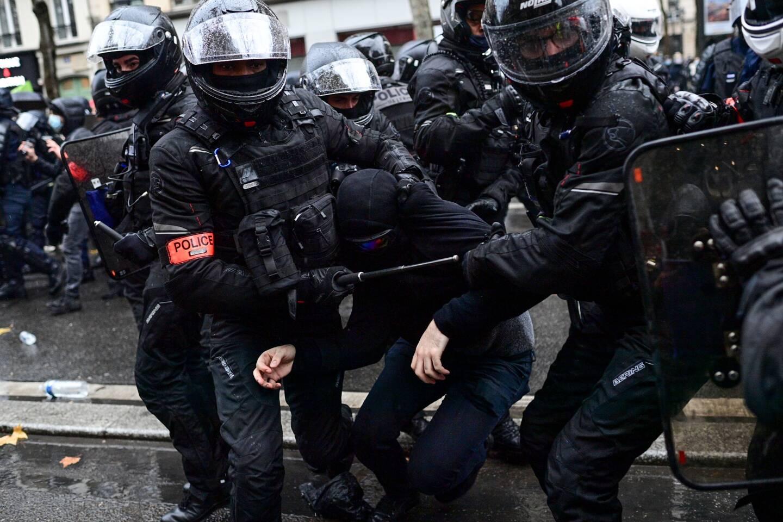 En cette nouvelle journée de manifestations contre la loi sécurité globale, 81 interpellations ont eu lieu à Paris selon Gérald Darmanin, le ministre de l'Intérieur.