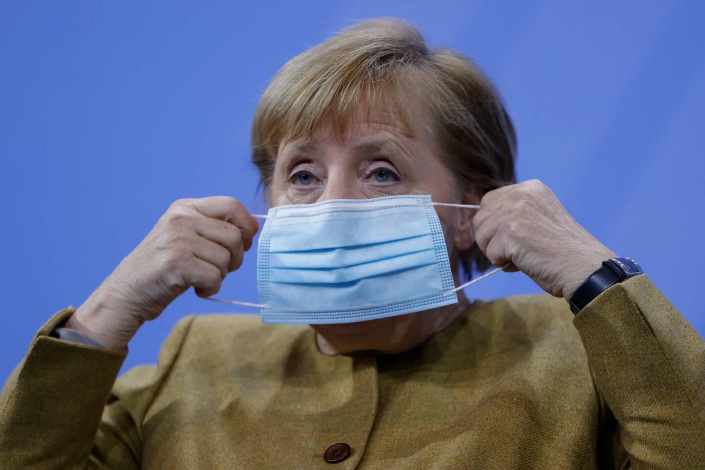 Angela Merkel annonce de nouvelles mesures pour éviter une plus grande propagation du virus.