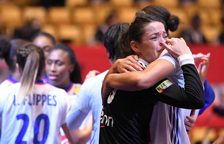 Les handballeuses françaises ont été battues par la Norvège 22 à 20, dimanche en finale de l'Euro-2020 à Herning (Danemark), et cèdent leur couronne continentale aux Scandinaves, qui n'avaient plus gagné de titre majeur depuis l'Euro-2016.
