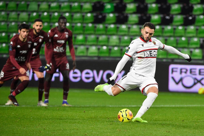 Lors de l'ouverture du score de Gouiri sur penalty.