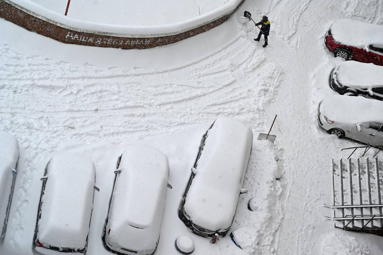 Un Ukrainien a signalé un meurtre fictif dans l'espoir que les forces de l'ordre nettoient sa route recouverte de neige en venant l'arrêter.