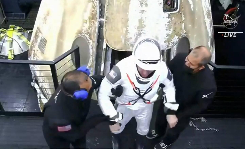 Les astronautes sont arrivés en pleine nuit et en bonne santé selon les dernières informations.