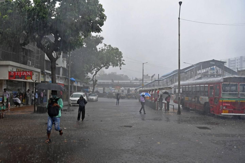 Bombay se prépare au cyclone Tauktae.