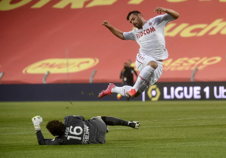 Kevin Volland et l'AS Monaco se heurtent à un grand Jean-Louis Leca.