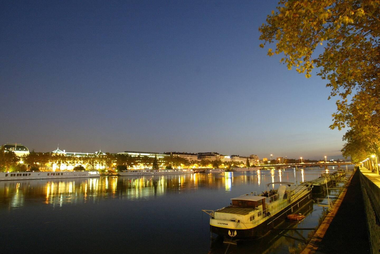 Depuis les quais du Rhône.