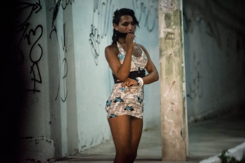 Au Brésil, un pays de 212 millions d'habitants, près de 337.000 vies ont été fauchées par le virus.