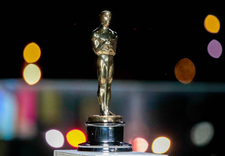 La cérémonie la plus suivie d'Hollywood se tient exceptionnellement cette année dans une gare historique du centre de Los Angeles accueillant les stars en lice, qui pour beaucoup ont foulé un tapis rouge pour la première fois depuis le début de la pandémie.