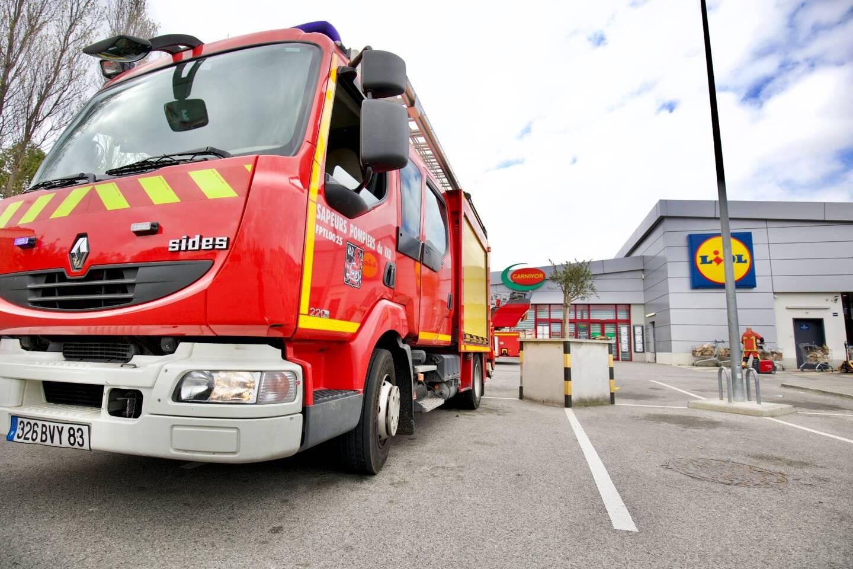 Un incendie s'est déclaré ce dimanche matin, vers 9 h 30, dans la chambre froide de 40 m2 du supermarché Lidl de Fréjus, situé rue Einaudi.