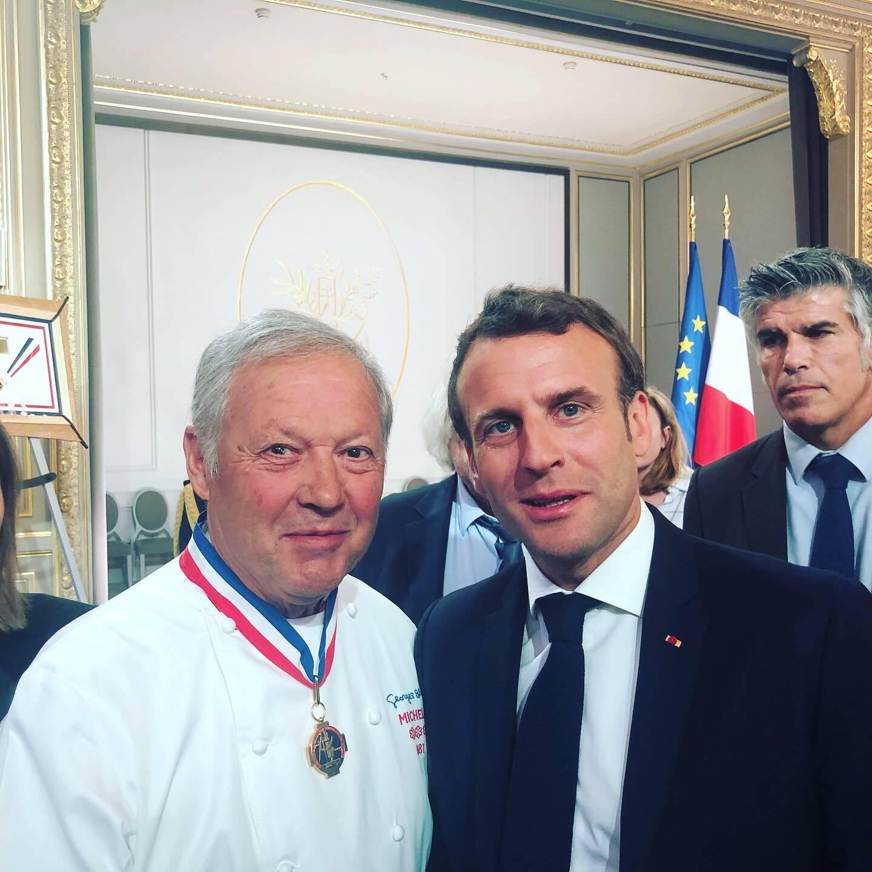 """Emmanuel Macron """" illustre l'élégance de cette France que l'on aime"""""""