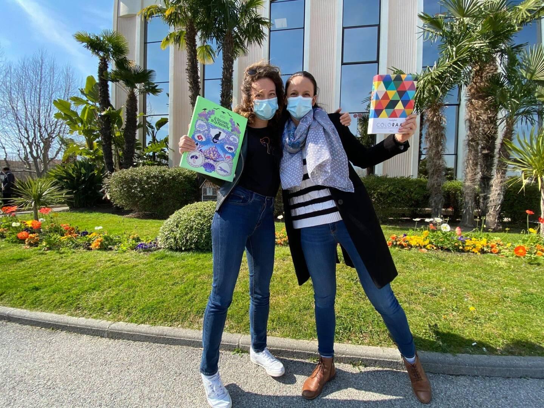 Noura et Marine vous laissent le choix de choisir le nom de leur future librairie.