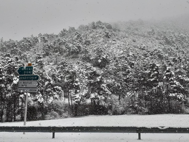 Neige sur le haut-pays, du côté de La Bastide.