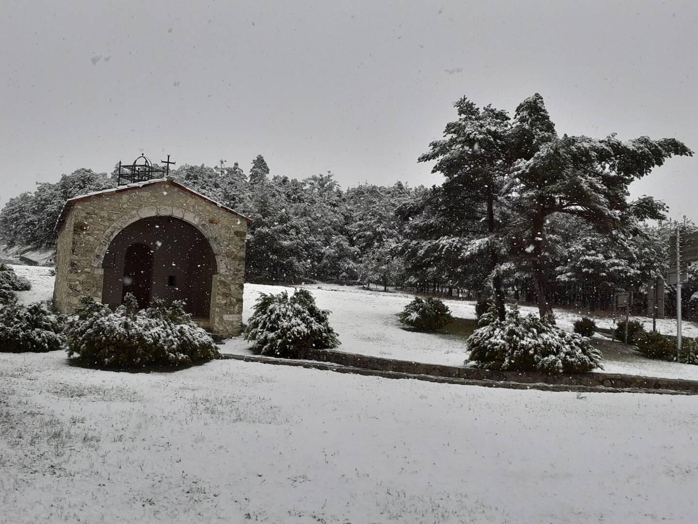 La Chapelle Sainte-Pétronille à Bargème sous la neige
