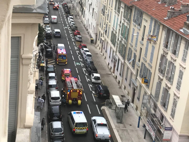 Cinq véhicules de pompier sont intervenus rue Frédéric Passy dans le centre de Nice.