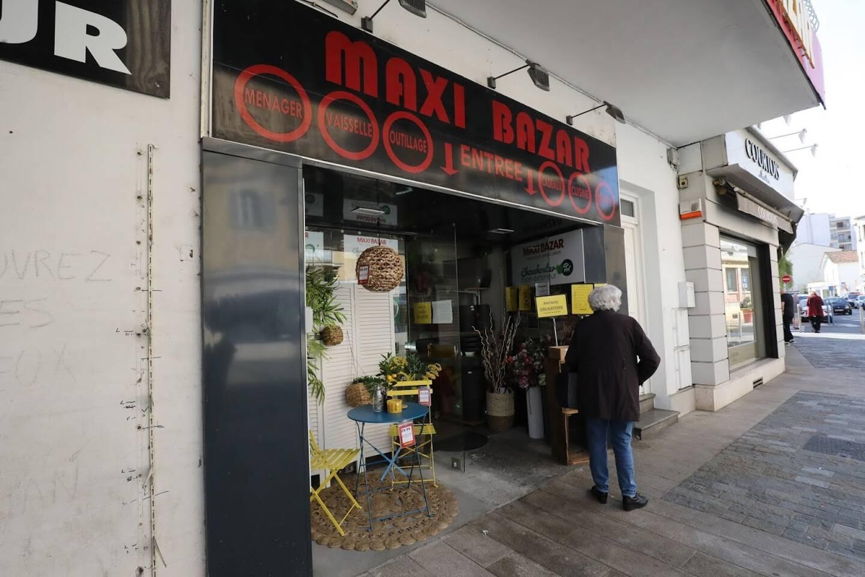 A Cagnes-sur-Mer, Maxi Bazar a rouvert ses deux boutiques... malgré les restrictions sanitaires.