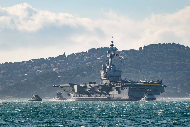 Le porte-avions Charles de Gaulle est parti ce dimanche pour plusieurs mois.