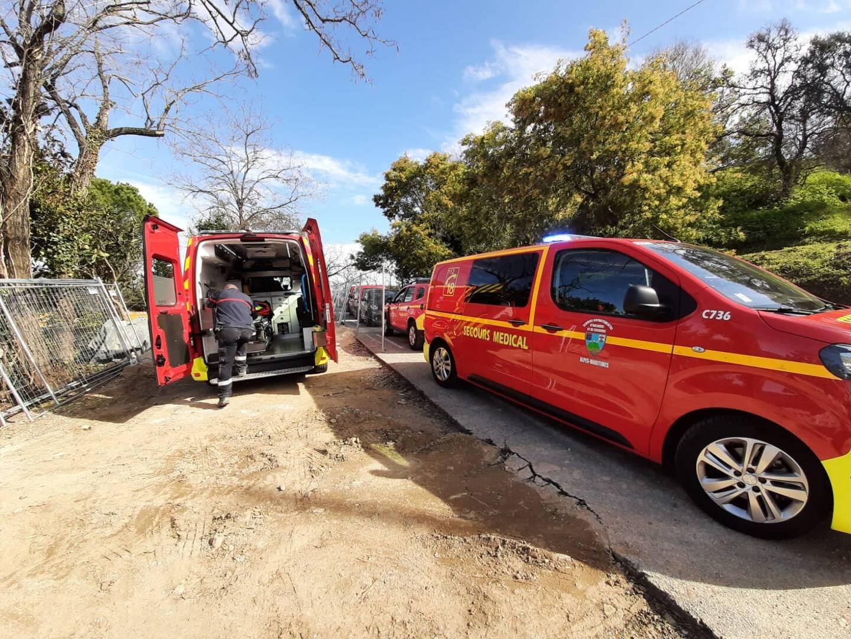 Une opération de sauvetage délicate pour les sapeurs-pompiers.