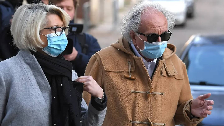 Isabelle Fouillot, la mère d'Alexia Daval et son avocat Gilles-Jean Portejoie.
