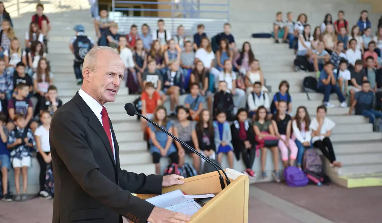 Daniel Chapellier lors de sa première rentrée scolaire à l'institut Stanislas de Saint-Raphaël, en 2016.