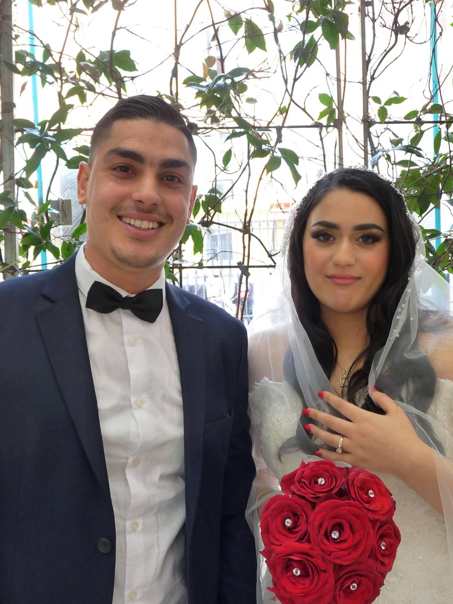 Ahmed Amimi, coiffeur et Amna Chatti, étudiante.