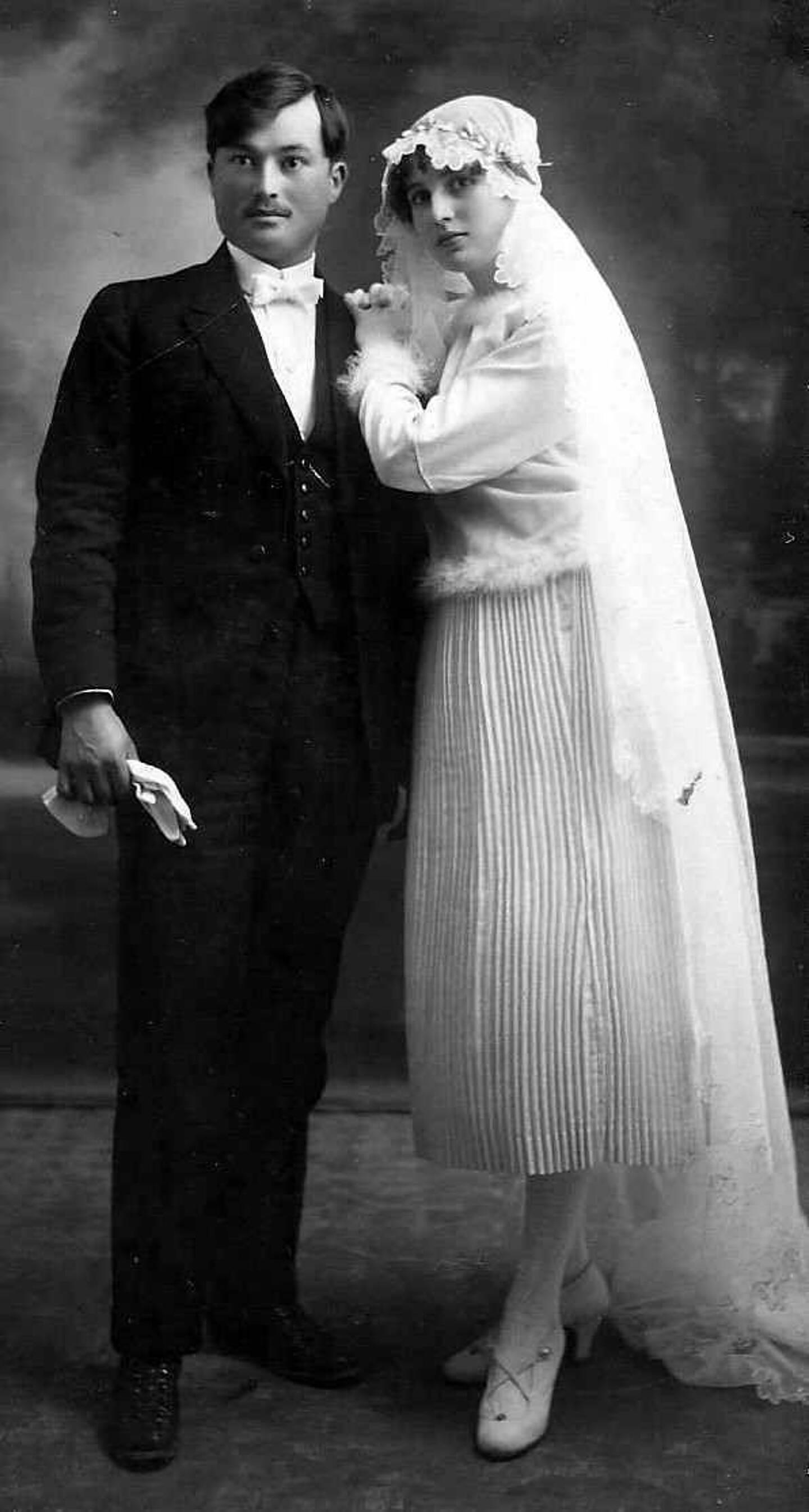 Le chef d'entreprise et son épouse Louisia lors de leur mariage au Beausset.