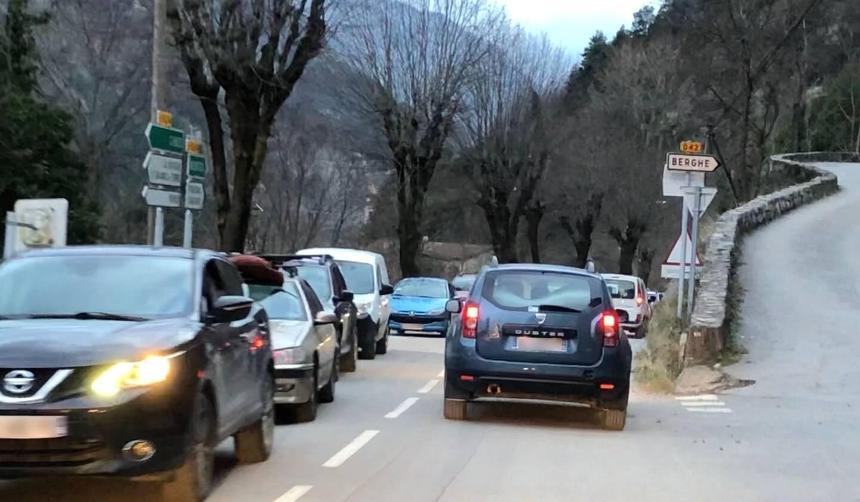 Les conditions de circulation seront maintenues autant que possible durant la durée des travaux.