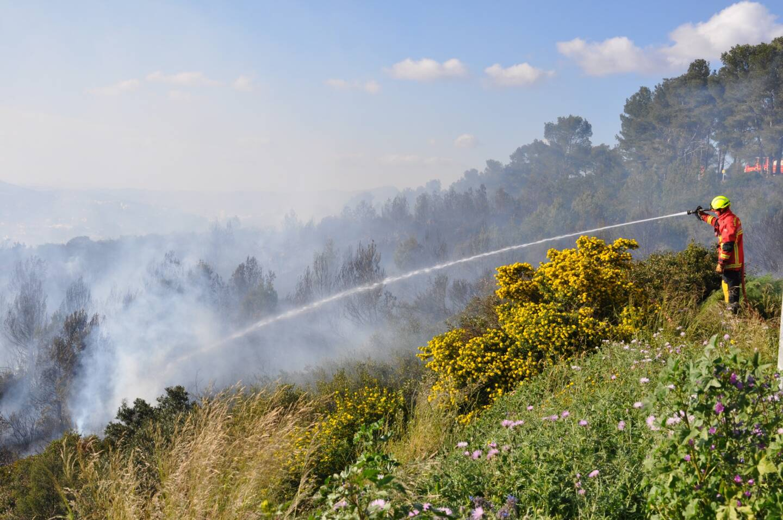 Mais l'intervention des pompiers n'est pas pour autant terminée.