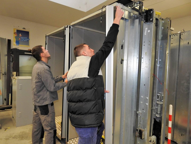 Les ascenseurs destinés aux personnes à mobilité réduite sont également étudiés.