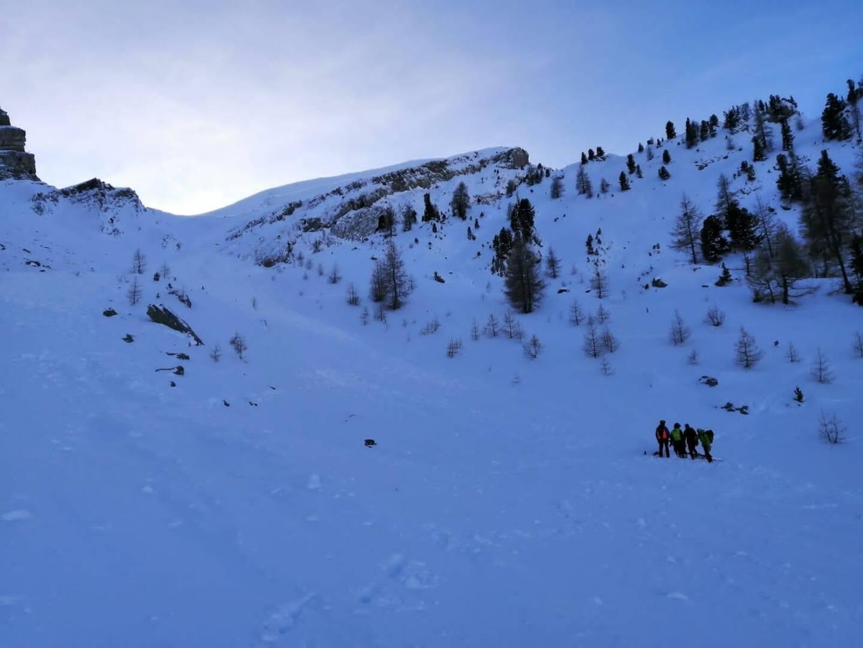 Ce lundi matin une avalanche a blessé trois randonneurs dans le vallon dit d'Encongura, secteur du Laverq, à Méolans-Revel, commune de la vallée de l'Ubaye (Alpes-de-Haute-Provence).