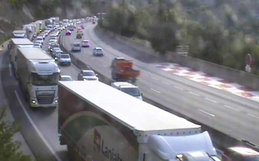 Un nouvel accident provoque d'importants bouchons sur l'A8 à Nice