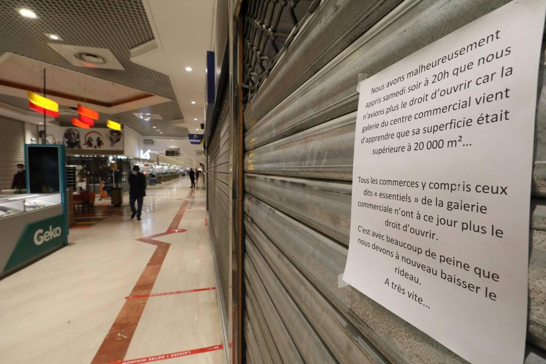 Chez Carrefour Antibes, seuls les magasins alimentaires et la pharmacie devraient rester ouverts.