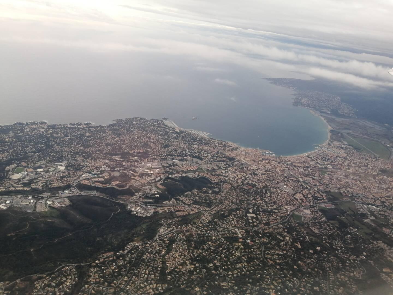 L'est de l'agglomération – ici Saint-Raphaël au premier plan – accueille régulièrement quelques nouveaux habitants, mais l'effet est plus important à l'ouest de la Cavem.
