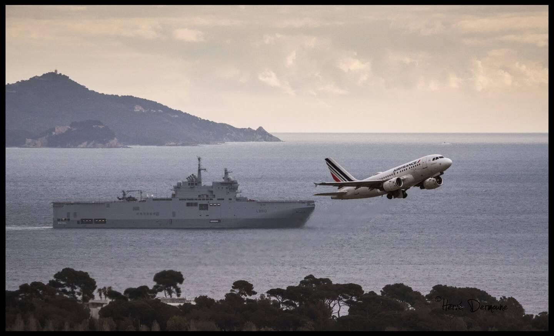 Le faux décollage d'un Airbus depuis le PHA Mistral