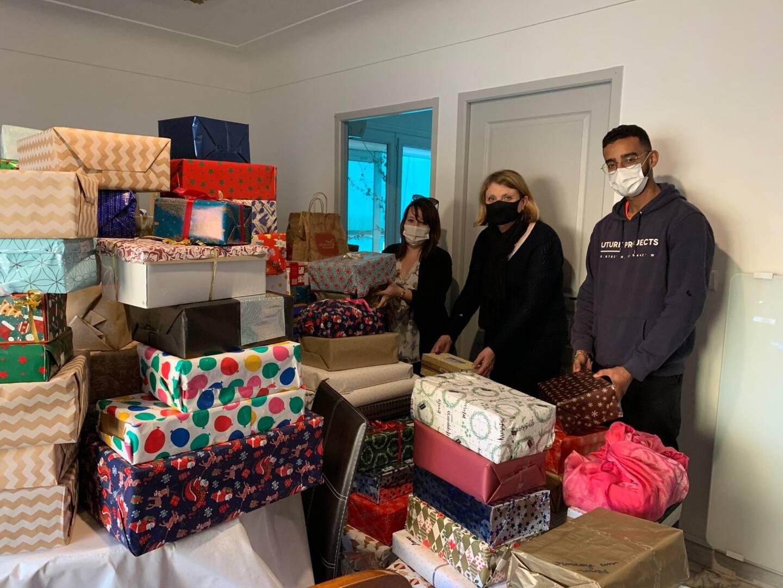 À l'initiative d'une Fréjusienne, plus de 600 boîtes ont été récoltées pour être distribuées dans la période des fêtes à des personnes en situation précaire. Un concept original qui séduit les donneurs