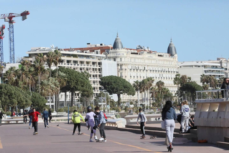 Le bord de mer à Cannes.