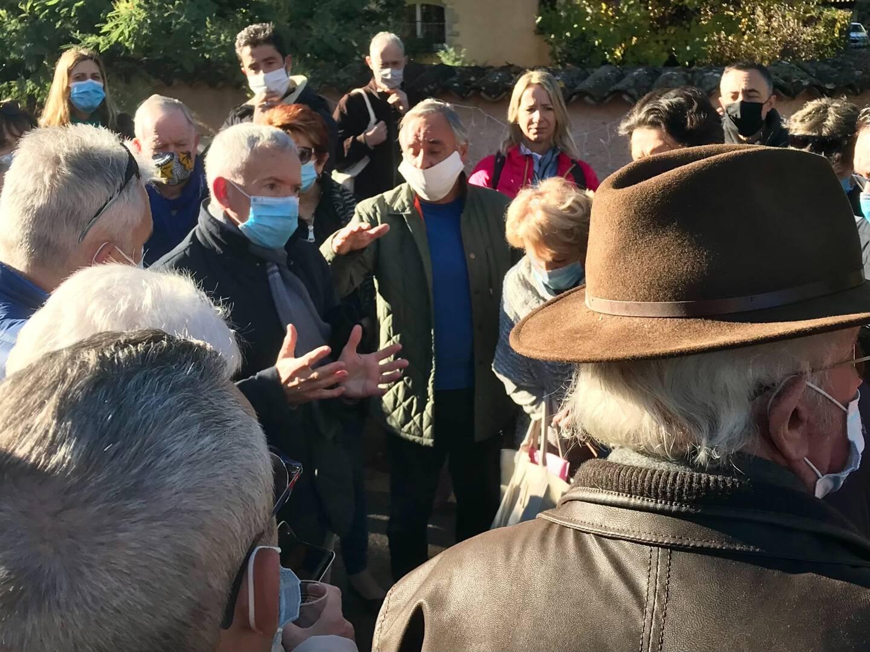Le maire Christian Ortega a dû faire face aux riverains mécontents, même si l'objet de leur courroux est un projet initié par l'ancienne municipalité