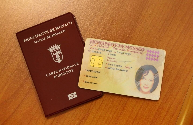 Modernisée en 2008, la carte d'identité nationale actuelle, sera changée au printemps pour une version aux atouts numériques.
