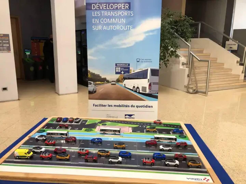 À l'avenir, des voies réservées à la circulation des cars à haut niveau de service devraient être aménagées sur les autoroutes du sud de la France.