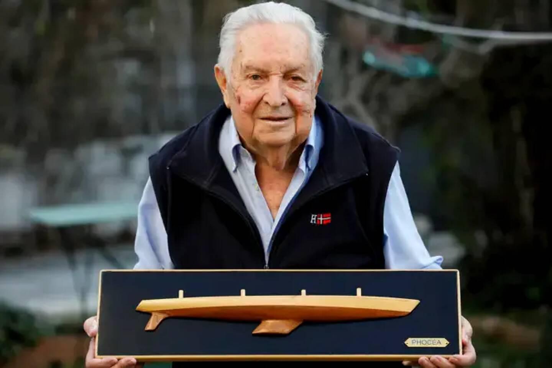 Michel Bigoin, l'architecte naval qui a conçu le Club Méditerranée d'Alain Colas. Le voilier fut racheté bien des années plus tard par Bernard Tapie qui le rebaptisa Phocéa.