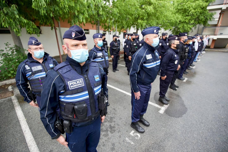 Les policiers dracénois ont respecté une minute de silence en hommage à Eric Masson.