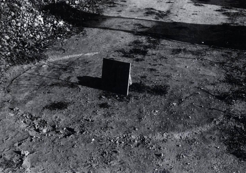 Les traces de l'atterrissage supposé de la soucoupe volante.