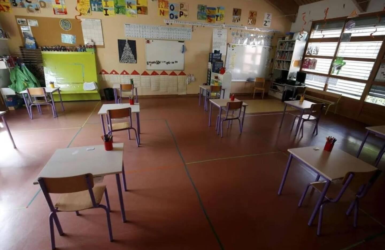 Illustration salle d'école à Flayosc.