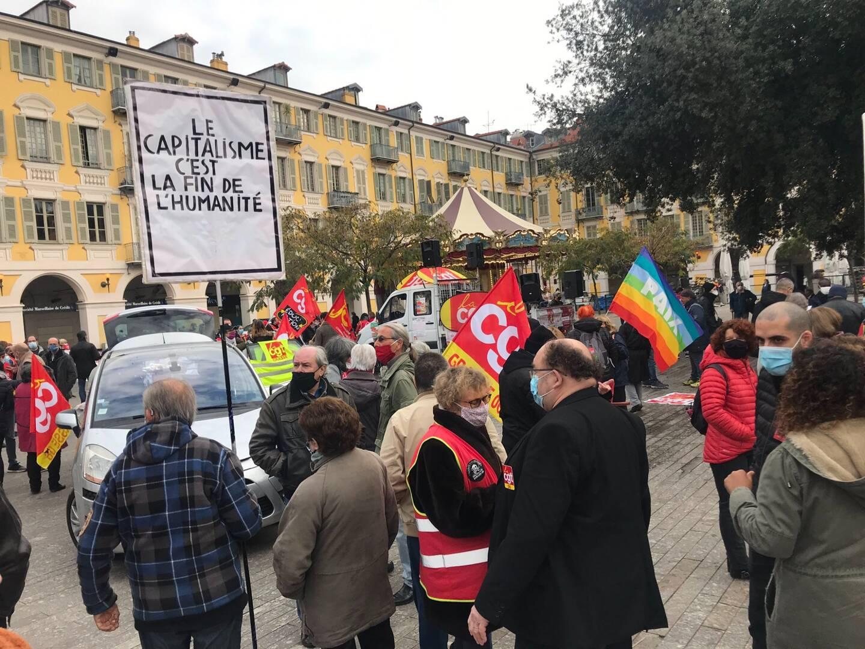 Environ 150 personnes mobilisées à Nice ce jeudi matin.