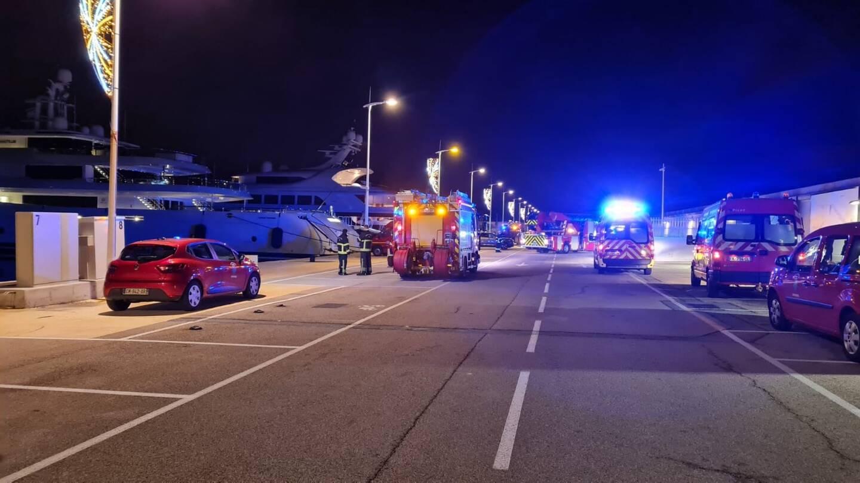 Un feu s'est déclaré au milieu de la nuit sur un yacht amarré quai des Milliardaires, à Antibes.