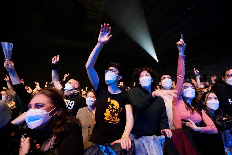 Les spectateurs portaient tous des masques FFP2.