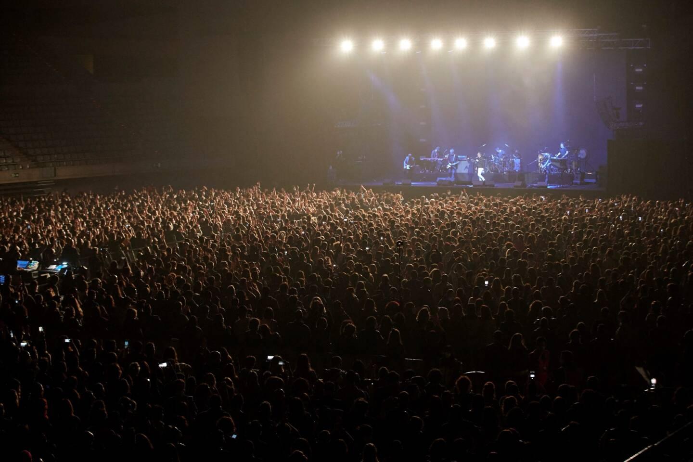 Le temps d'un essai clinique, un concert a réuni 5.000 spectateurs sans distance de sécurité à Barcelone samedi soir.