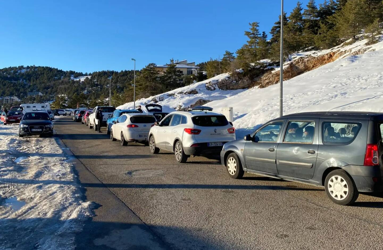 Les usagers auraient mis près de 1h30 pour faire à peine plus de 10 km en redescendant de Gréolières-les-Neiges ce dimanche.