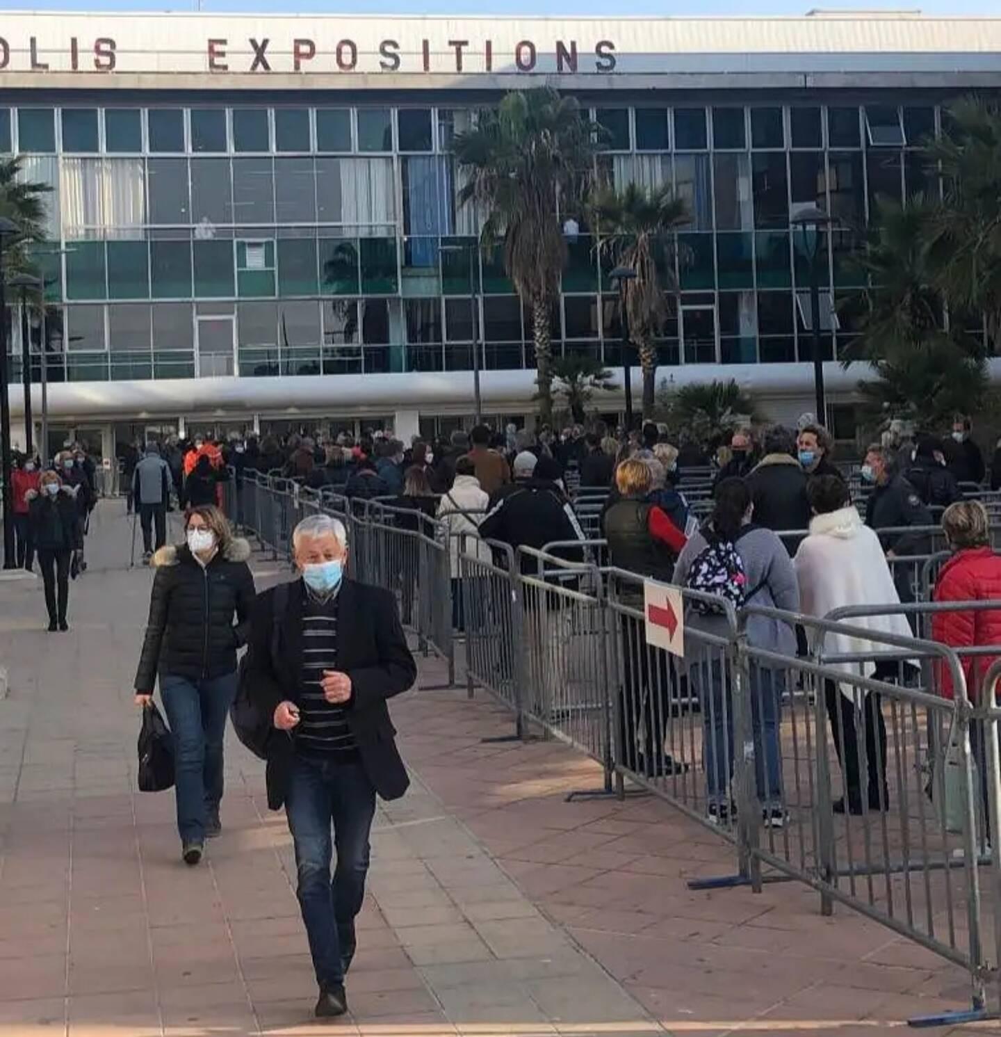 Au palais des Expositions, Nice vise les 5.000 injections quotidiennes.