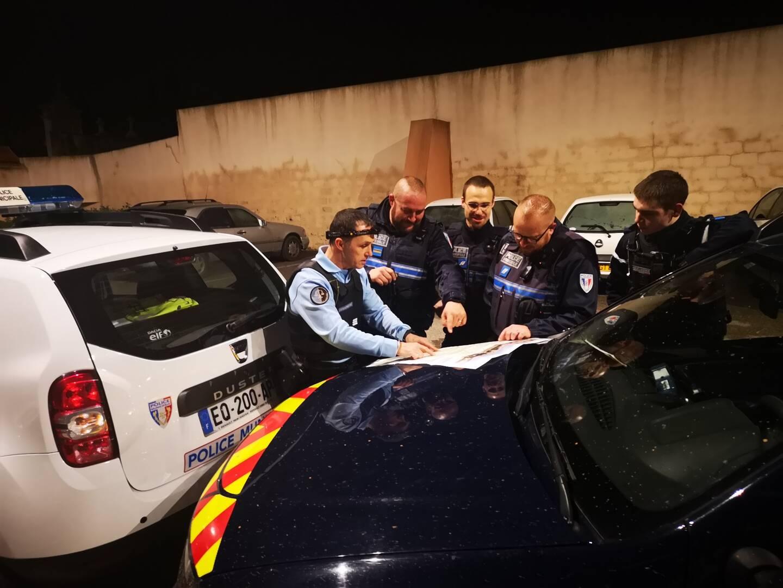 Pompiers policiers municipaux et gendarmes ont été déployés pour retrouver le randonneur disparu mardi après-midi.