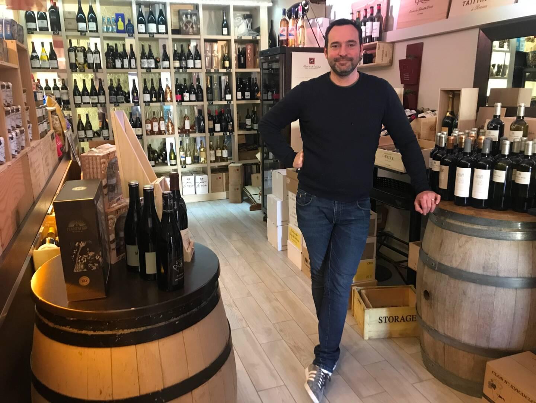 Sylvain Vauthier, du bar à vin Au Comptoir, à Grasse.